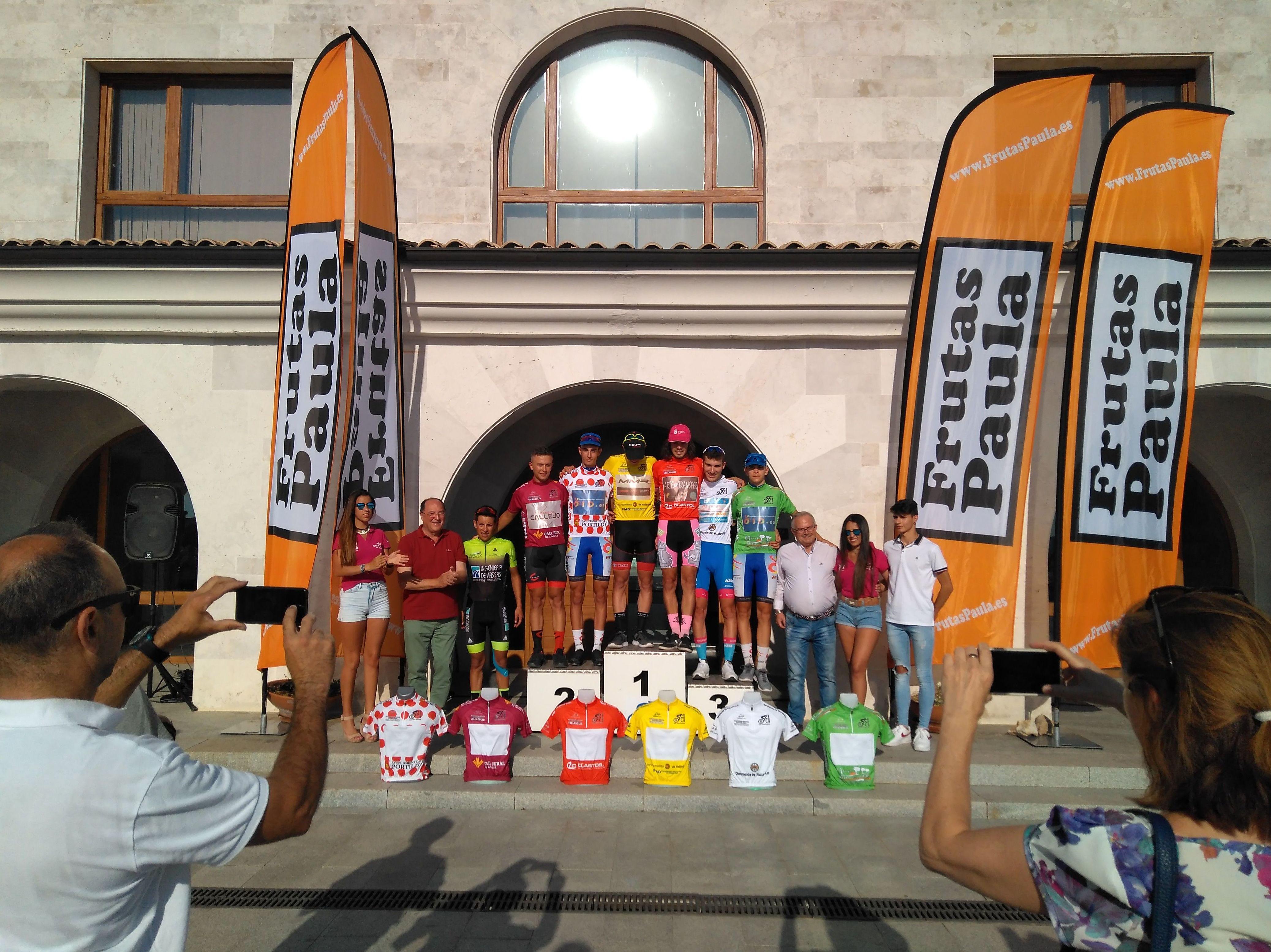 Campeones 3ª etapa          Podium situado en bodegas EMINA