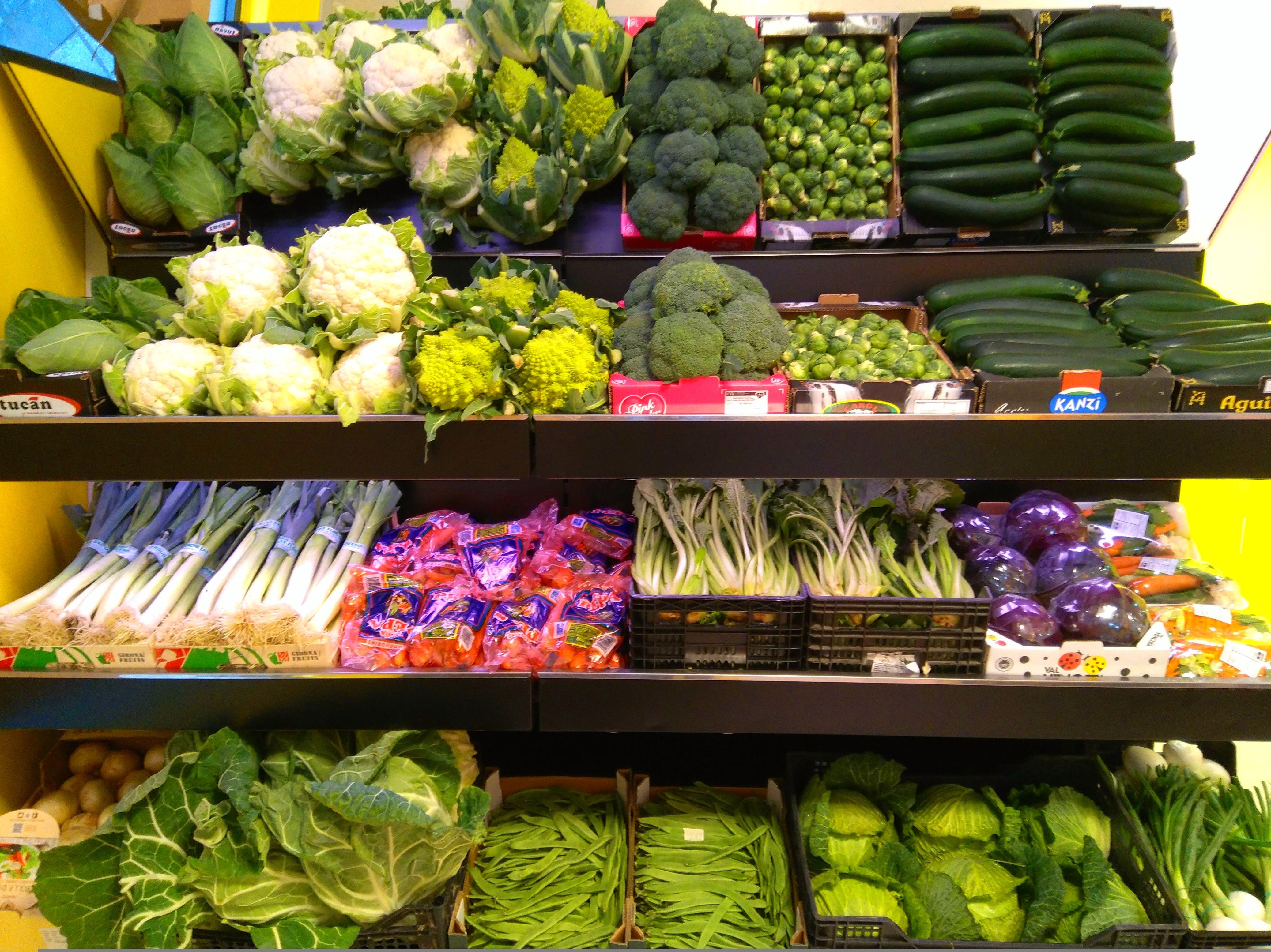 Foto 45 de Fruterías en Valladolid | Frutas Paula