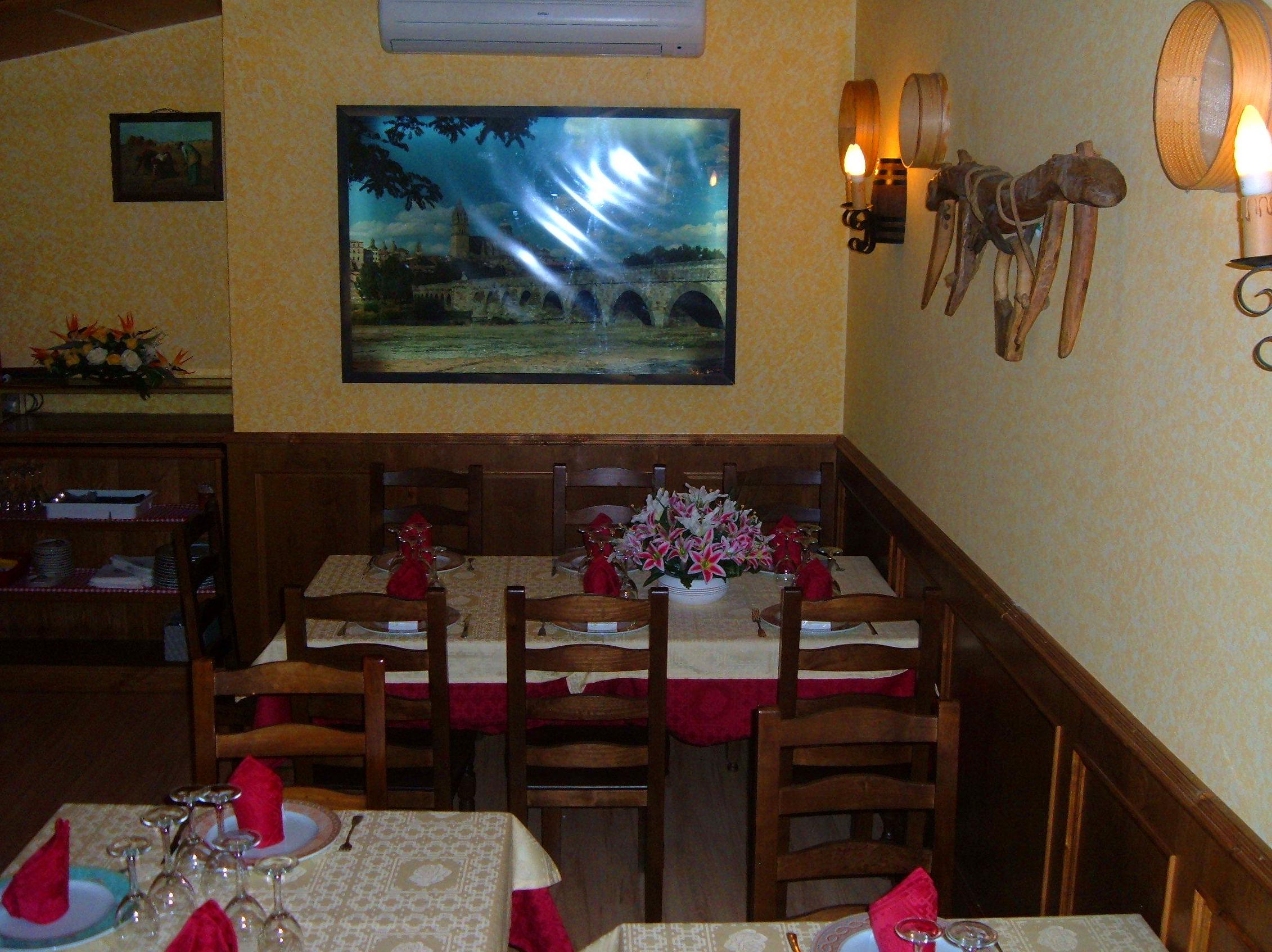 SALÓN 4 : COMEDOR VIP: MENÚS de Restaurante Terraza La Parrilla de Valdemoro