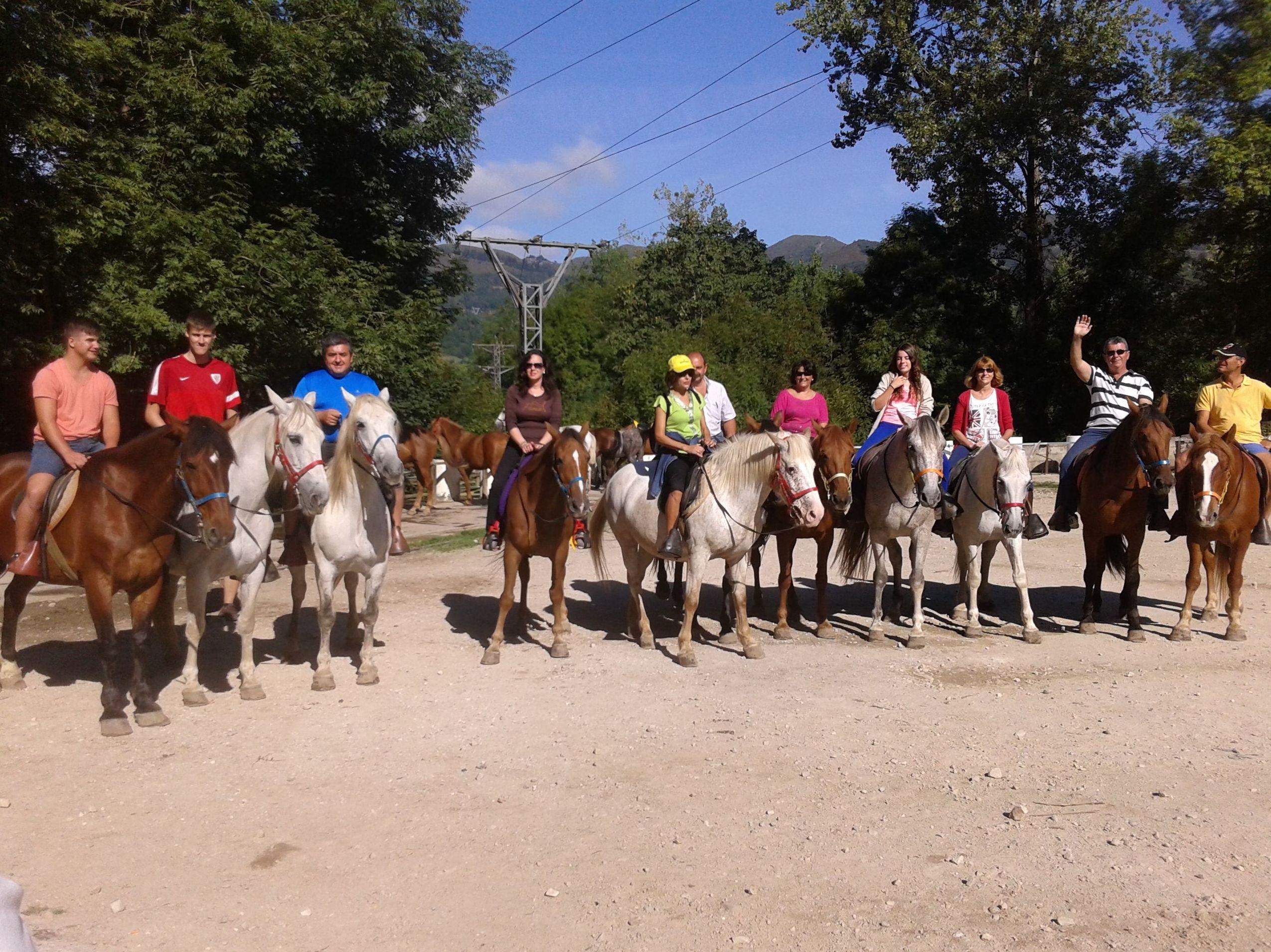 Foto 10 de Rutas a caballo en Soto de Cangas | Rutas a Caballo El Dorado