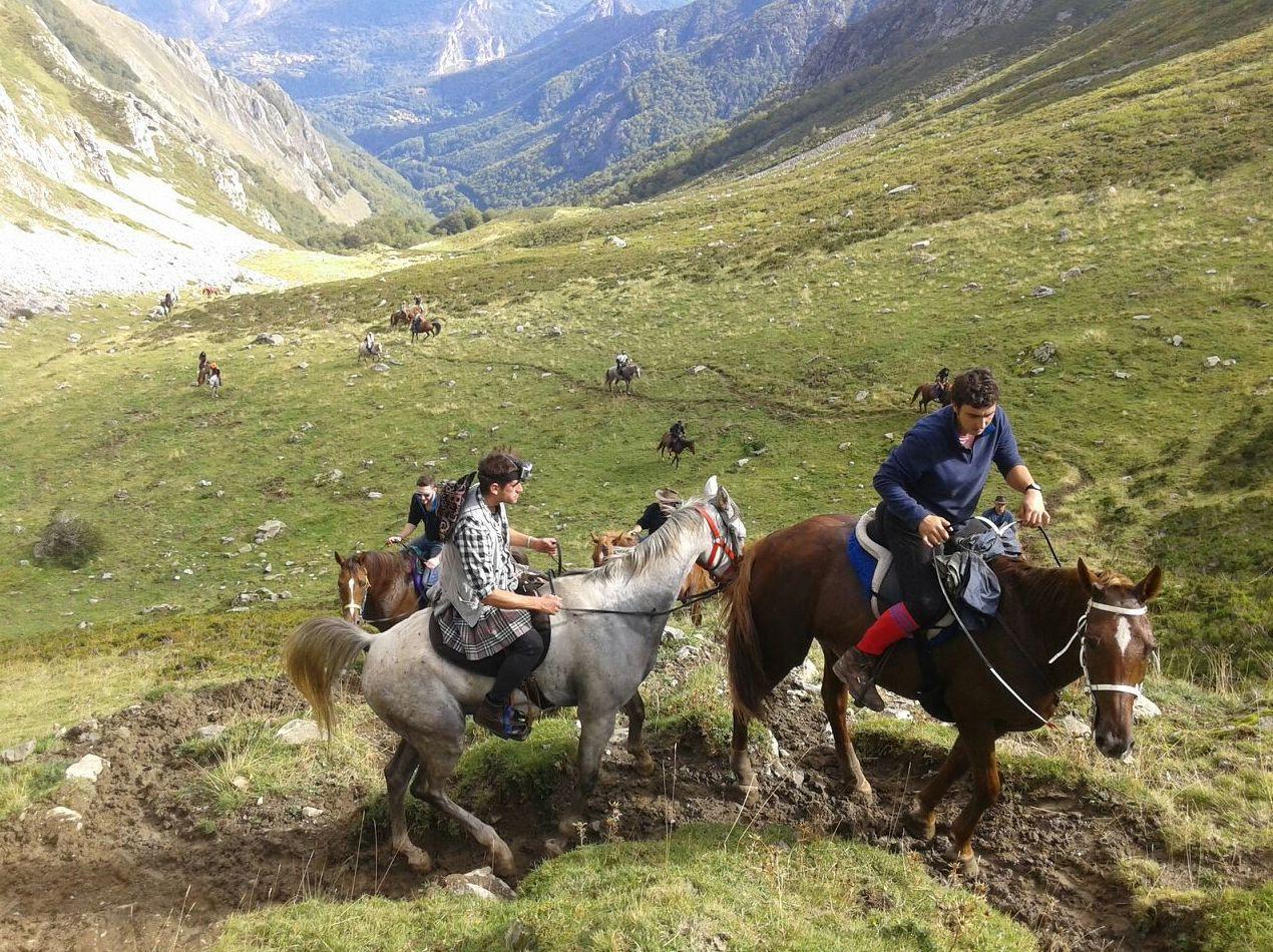 Foto 7 de Rutas a caballo en Soto de Cangas | Rutas a Caballo El Dorado