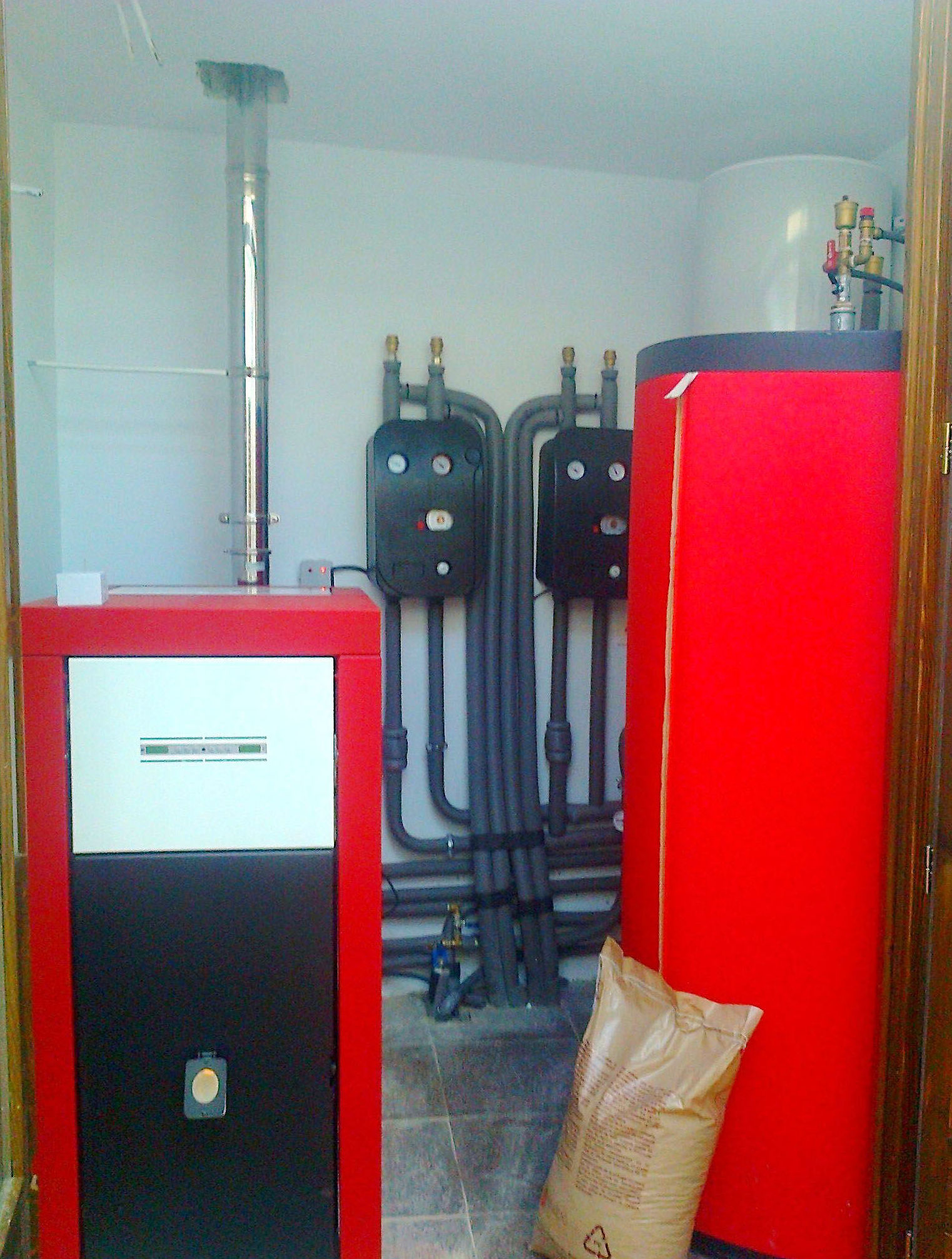 Montaje y mantenimiento de calderas de biomasa y pellets