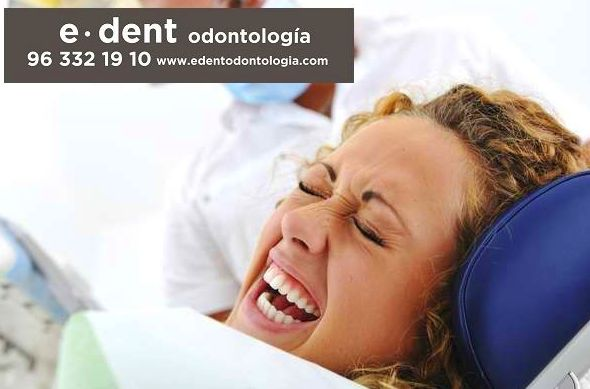 Clínica dental Valencia }}