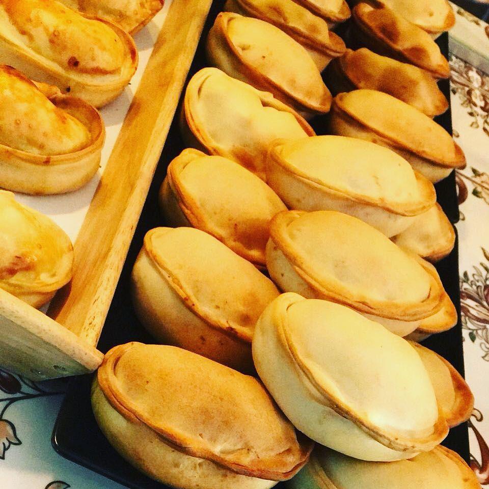 Empanadas Argentinas: Nuestros servicios de Muzza y Faina