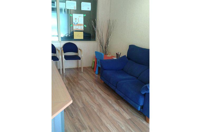 Sala de espera del centro de psicología en Ripollet