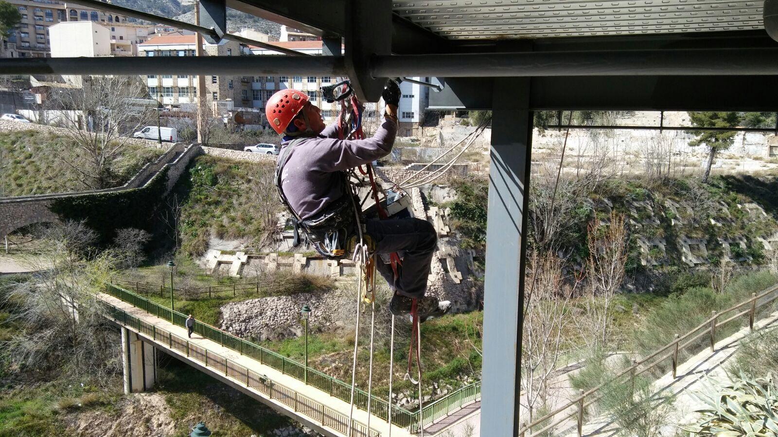Foto 1 de Trabajos verticales en Ibi | Altiver