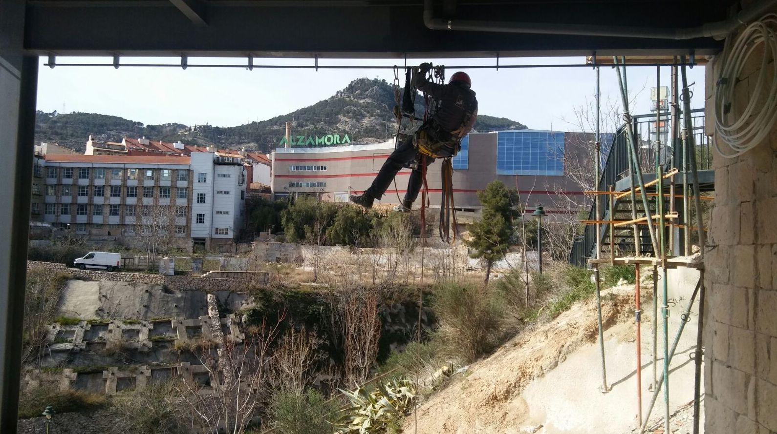 Foto 41 de Trabajos verticales en Ibi | Altiver
