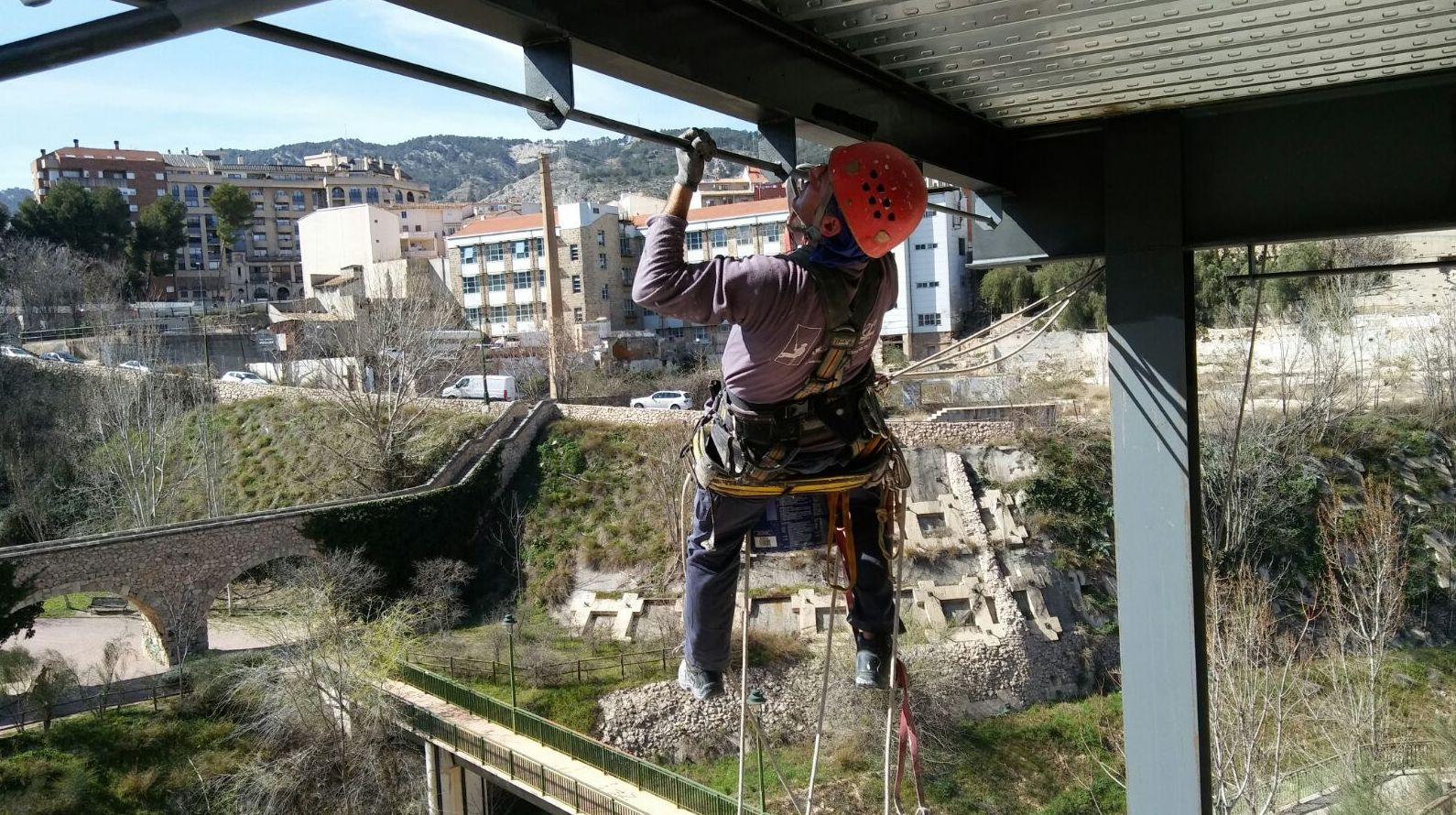 Foto 4 de Trabajos verticales en Ibi | Altiver