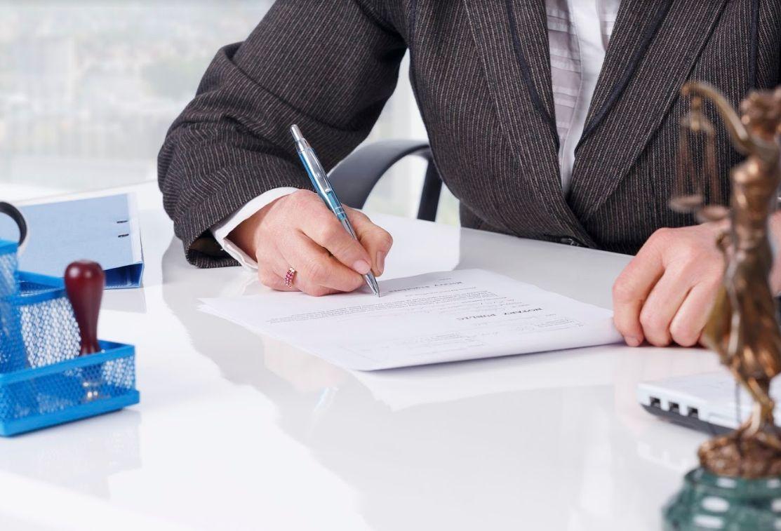 Derecho mercantil: Servicios de Rojana Bufete & Asociados, S.L.P.