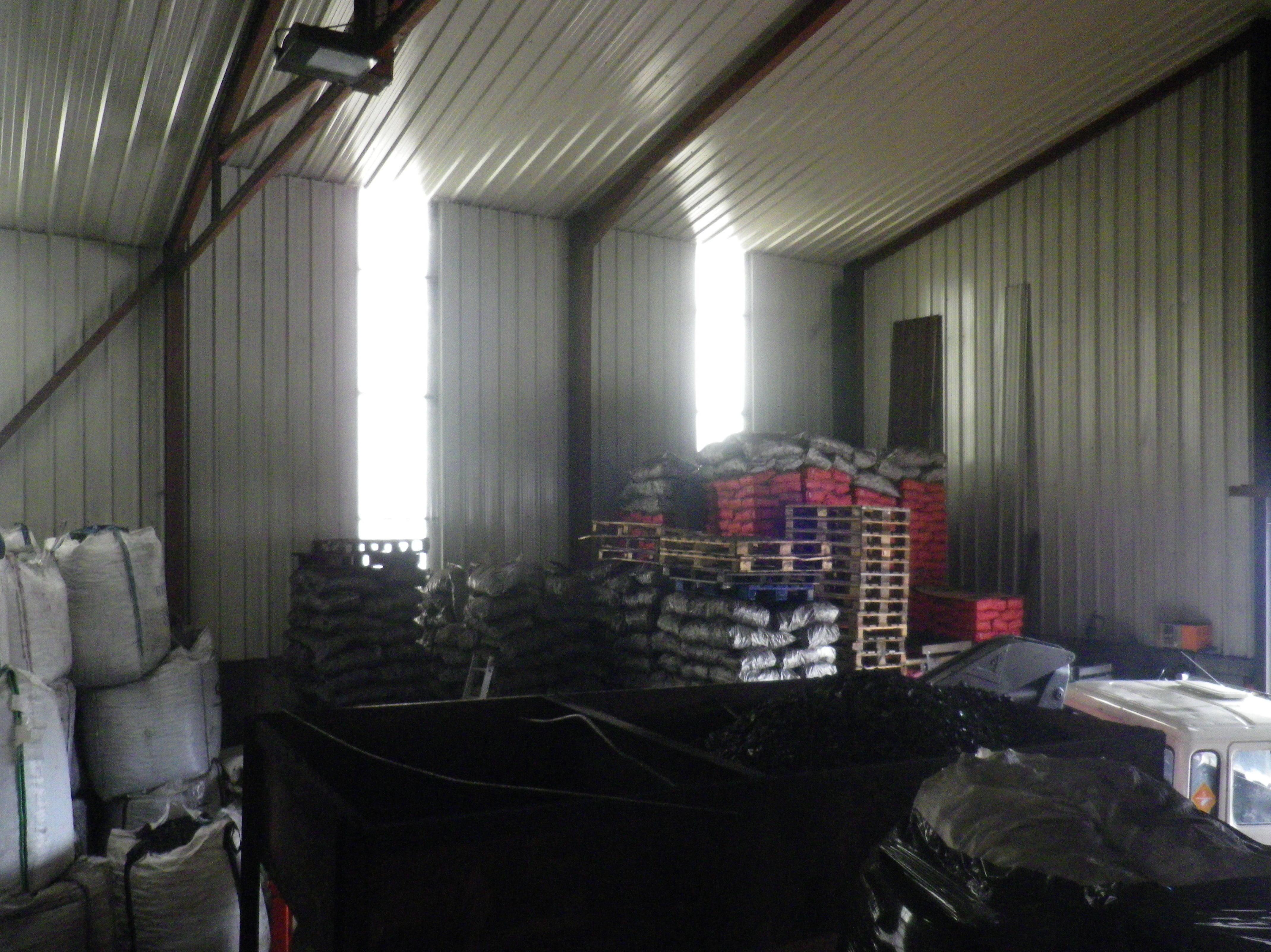 Carbones y Transportes Mencia, venta de todo tipo de carbón en Cantabria