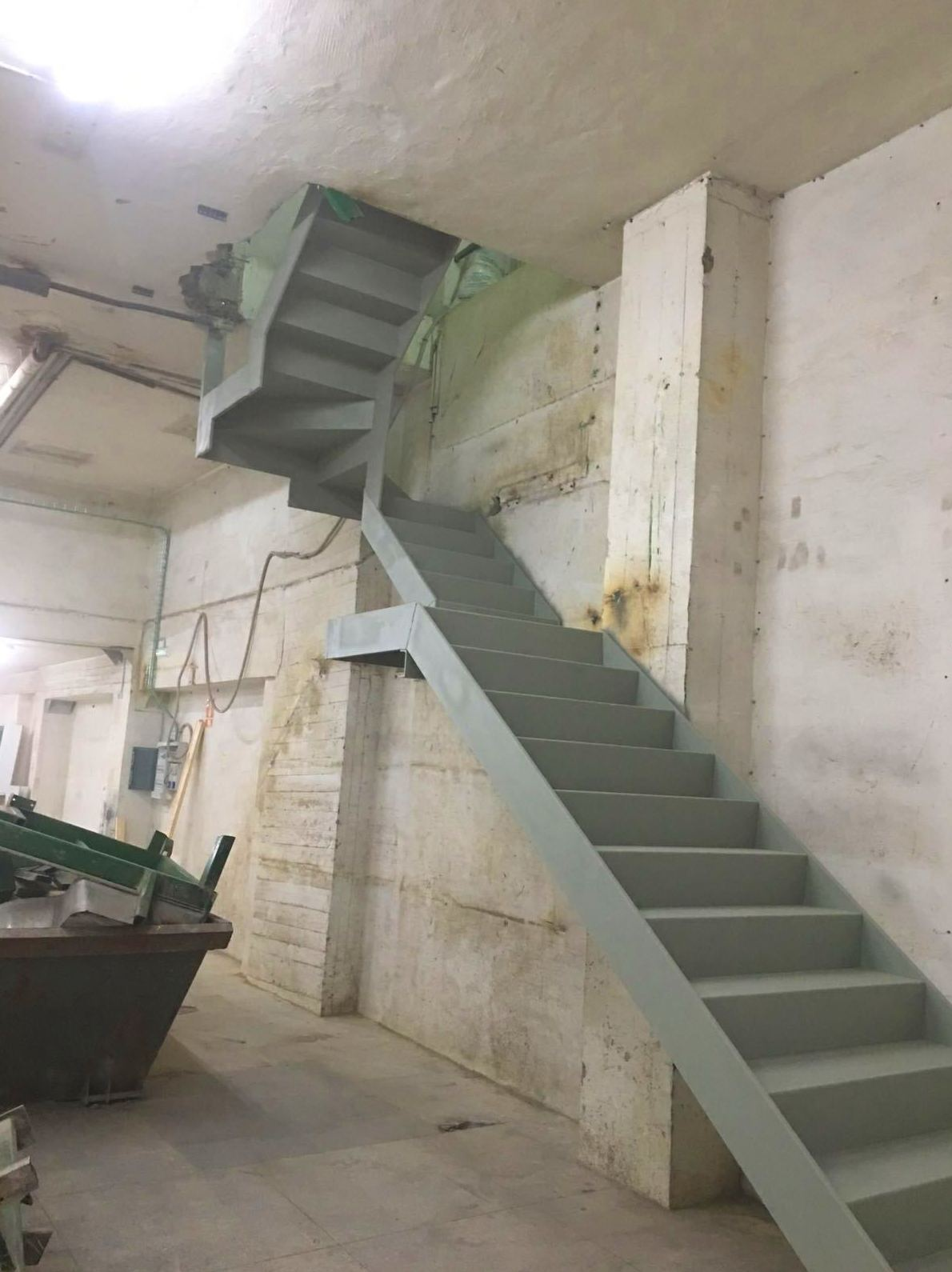Escalera pabellón