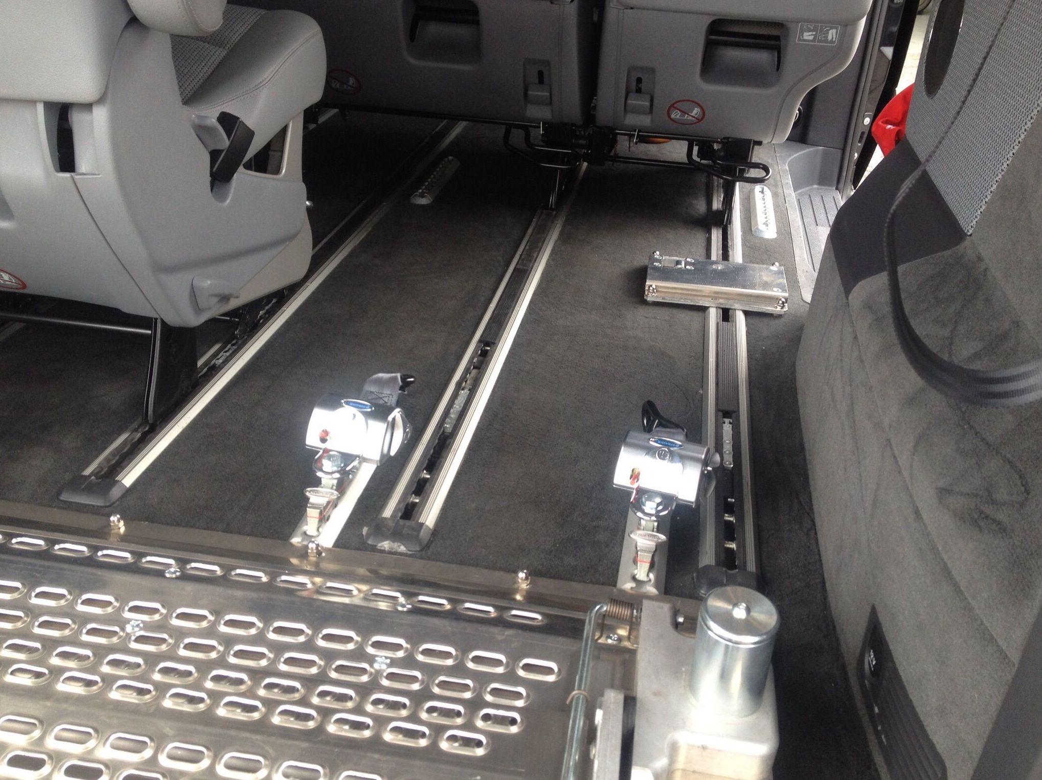 Foto 30 de Adaptación de vehículos para discapacitados en Siero | Cabal Automoción Bosch Car Service