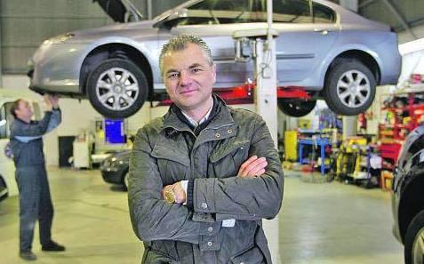 Salimos en la prensa. La Nueva España Sin miedo a la crisis. Cabal Automocion Bosch Car Service