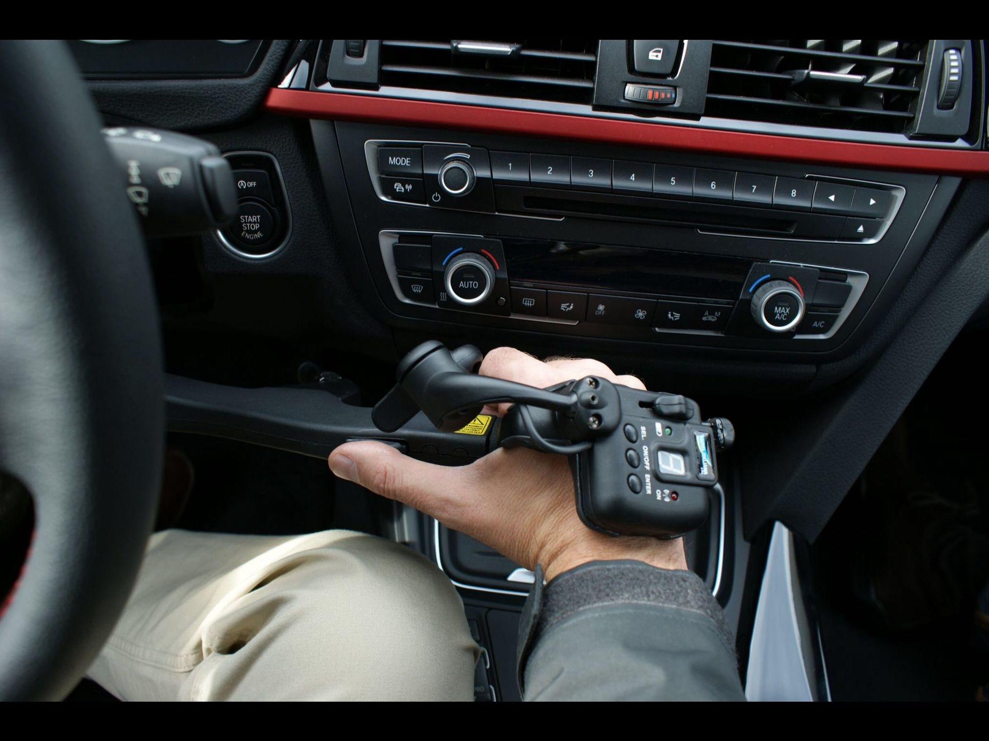 Foto 16 de Adaptación de vehículos para discapacitados en Siero | Cabal Automoción Bosch Car Service