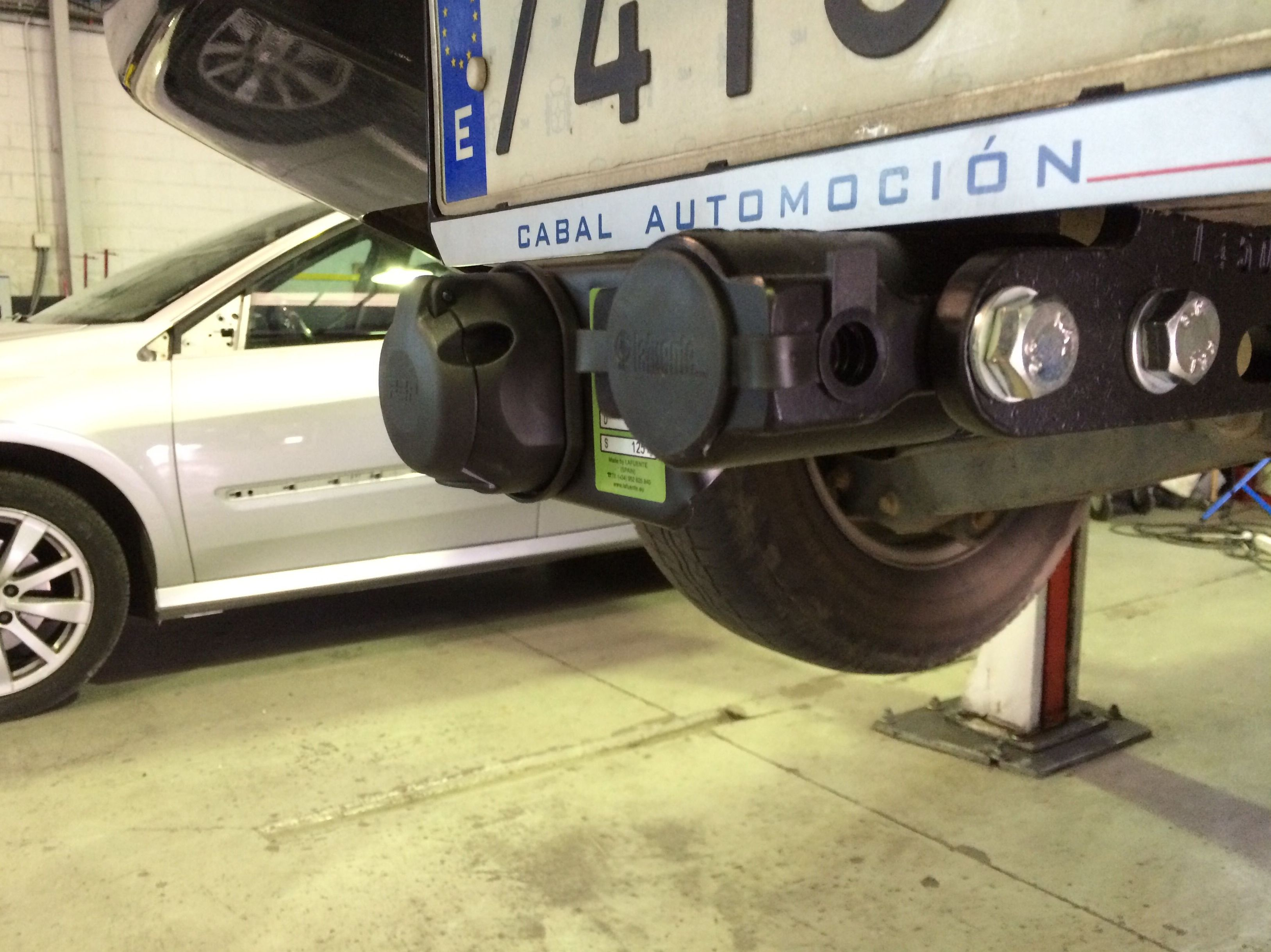 Foto 62 de Adaptación de vehículos para discapacitados en Siero | Cabal Automoción Bosch Car Service