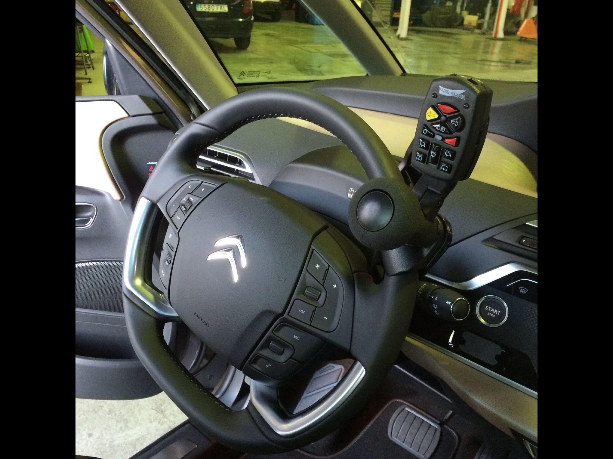 Foto 34 de Adaptación de vehículos para discapacitados en Siero | Cabal Automoción Bosch Car Service