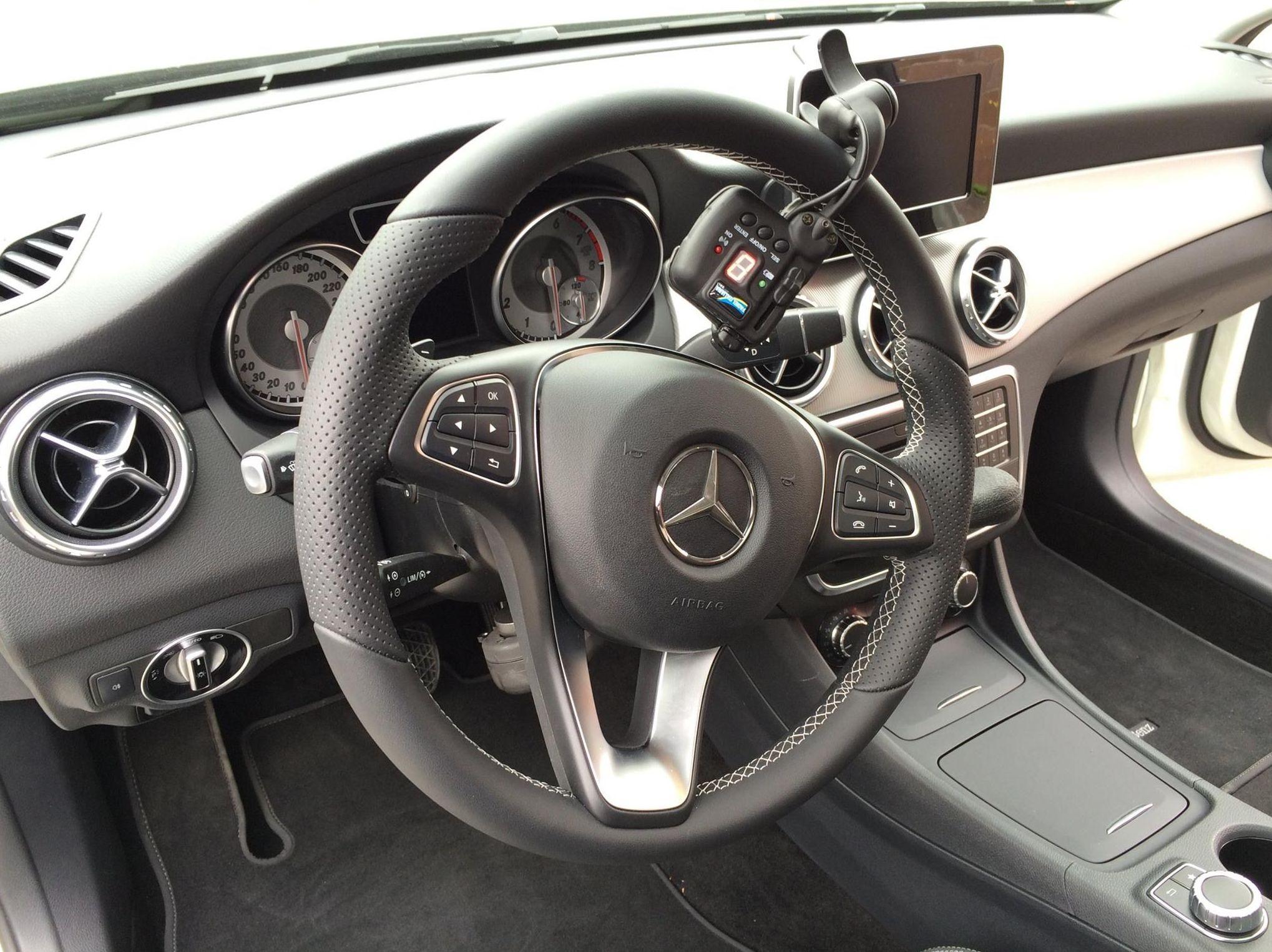Adaptación de vehículos Asturias. Nueva instalación entregada Mercedes GLA Adaptado por Cabal Automoción Bosch Car Service