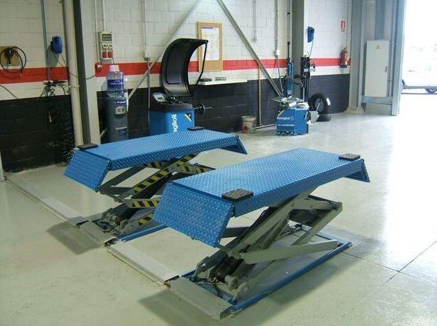 Foto 48 de Adaptación de vehículos para discapacitados en Siero | Cabal Automoción Bosch Car Service