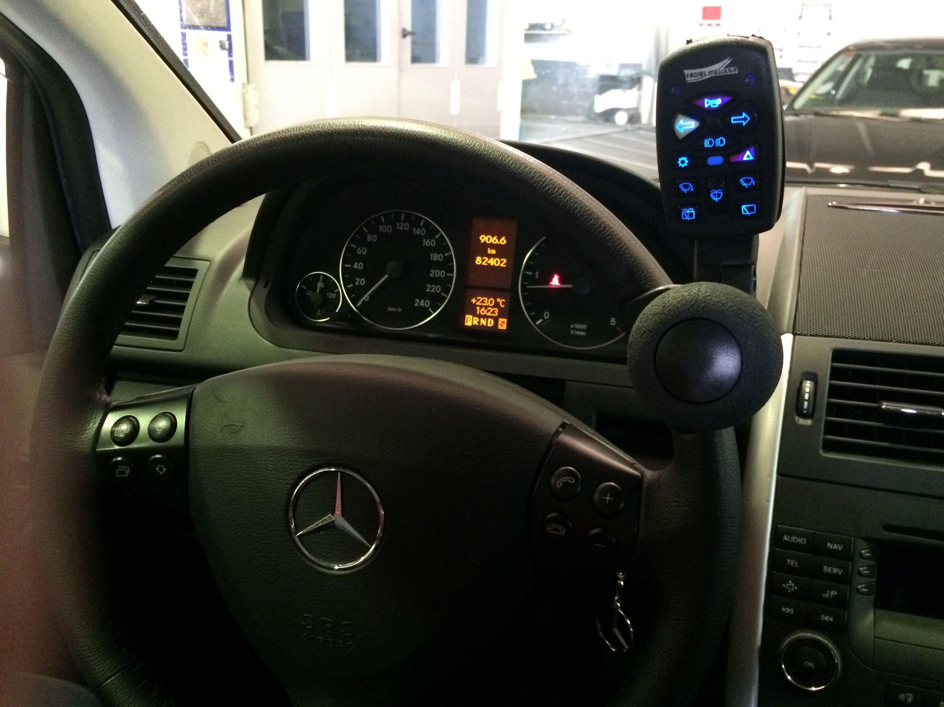 Foto 68 de Adaptación de vehículos para discapacitados en Siero | Cabal Automoción Bosch Car Service