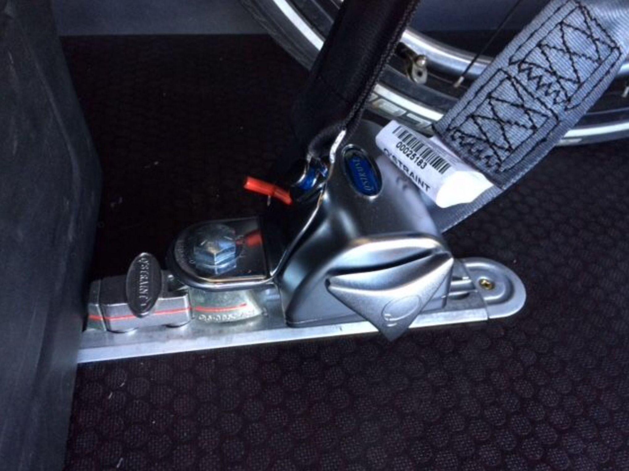 Foto 26 de Adaptación de vehículos para discapacitados en Siero | Cabal Automoción Bosch Car Service