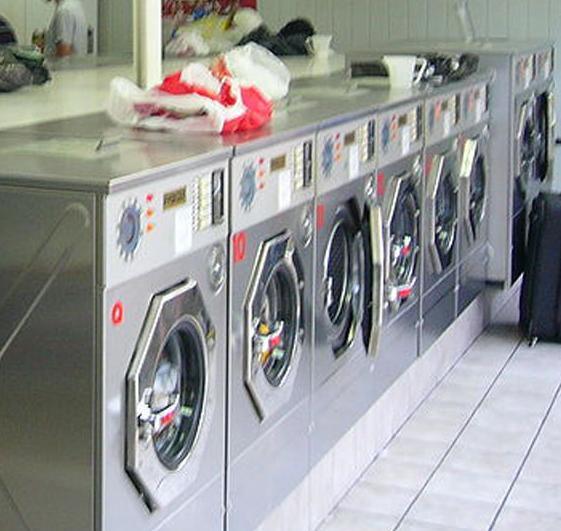 Polisat, maquinaria para lavanderías y tintorerías en Barcelona