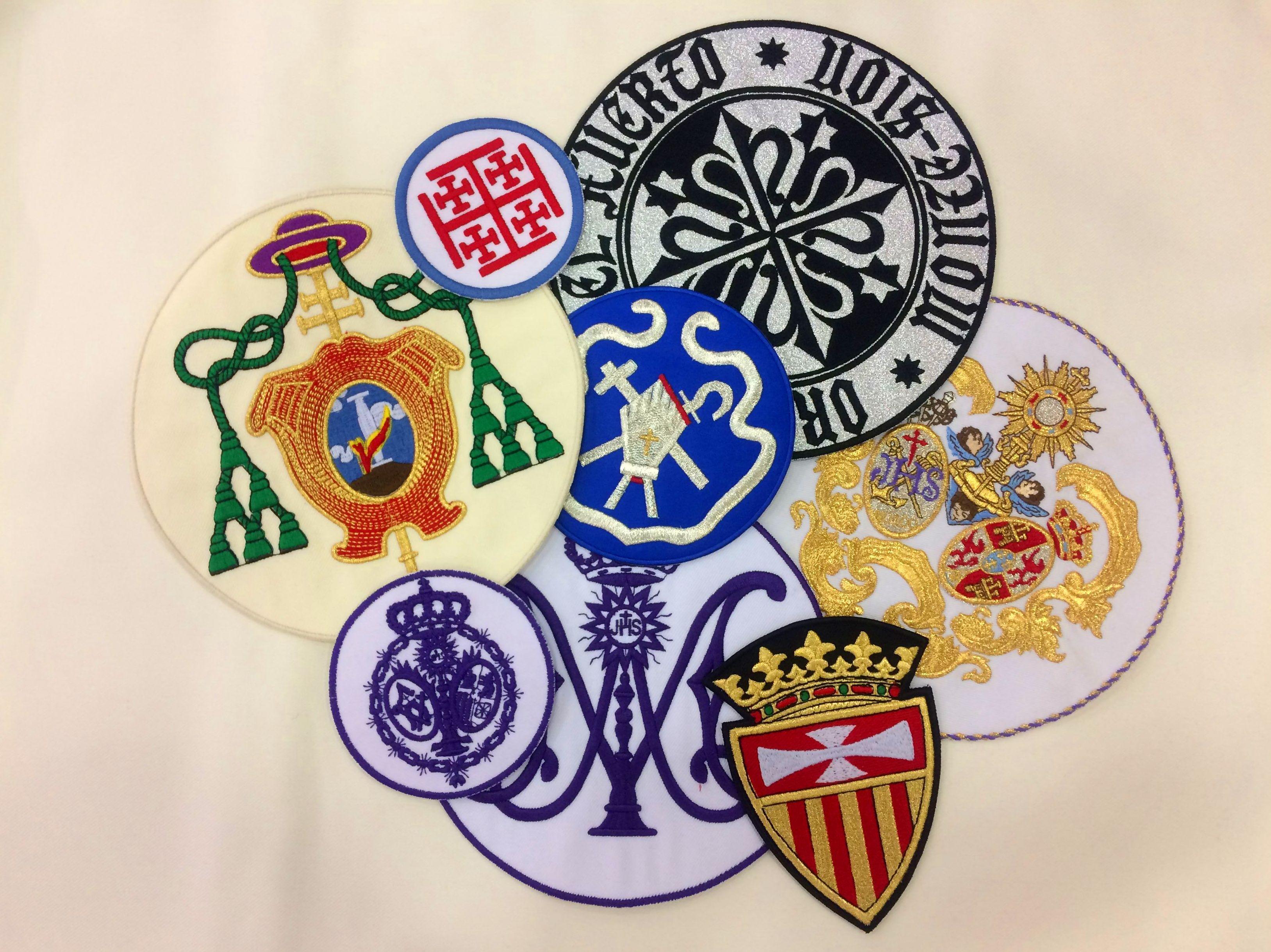 Escudos Hermandades de Sevilla