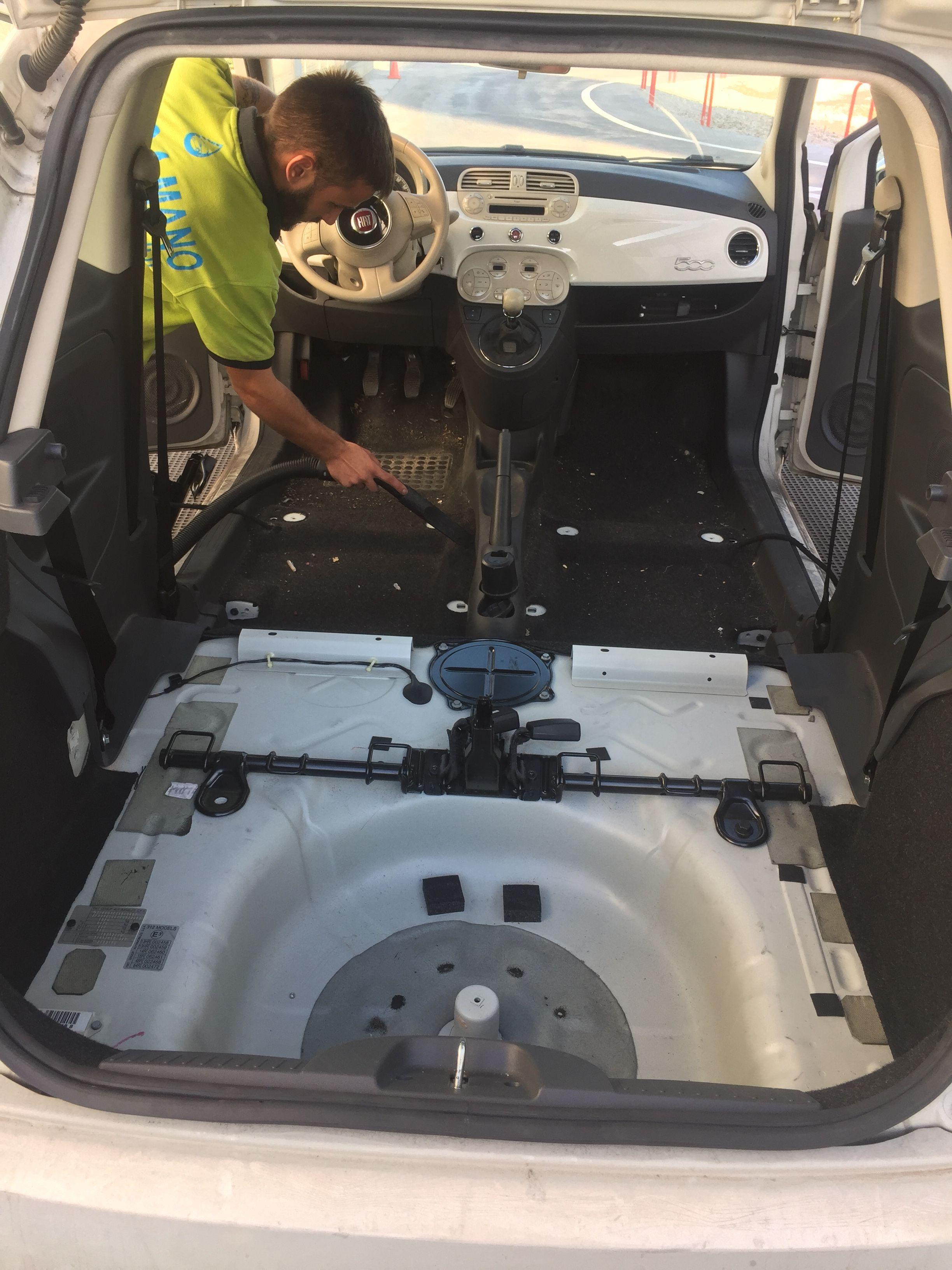 Desmontaje de asientos para su limpieza o reparación
