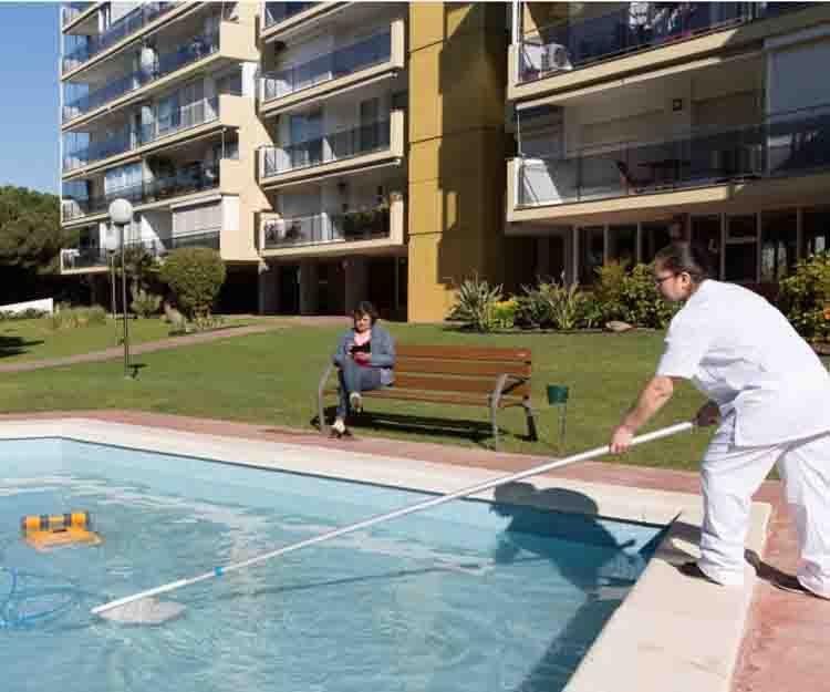Limpieza de piscinas en Barcelona y Hospitalet de Llobregat