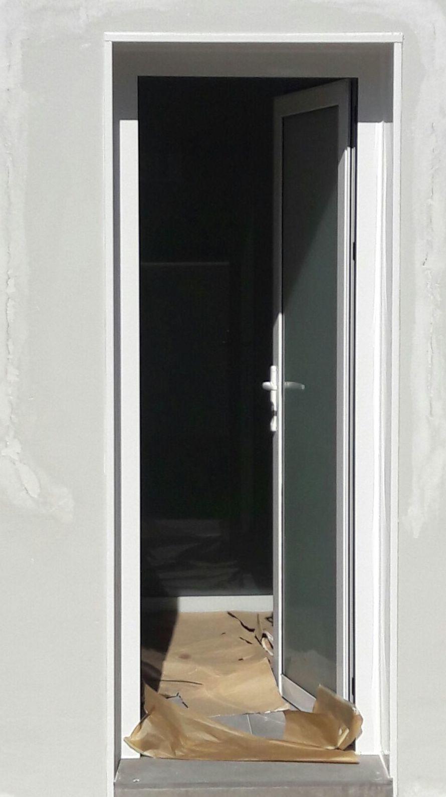 Puerta de salido a medida en PVC