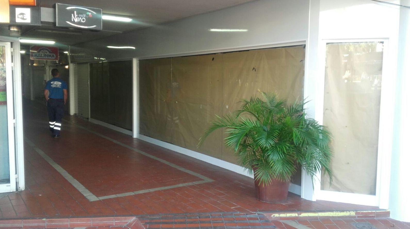 Cerramiento en locales comerciales