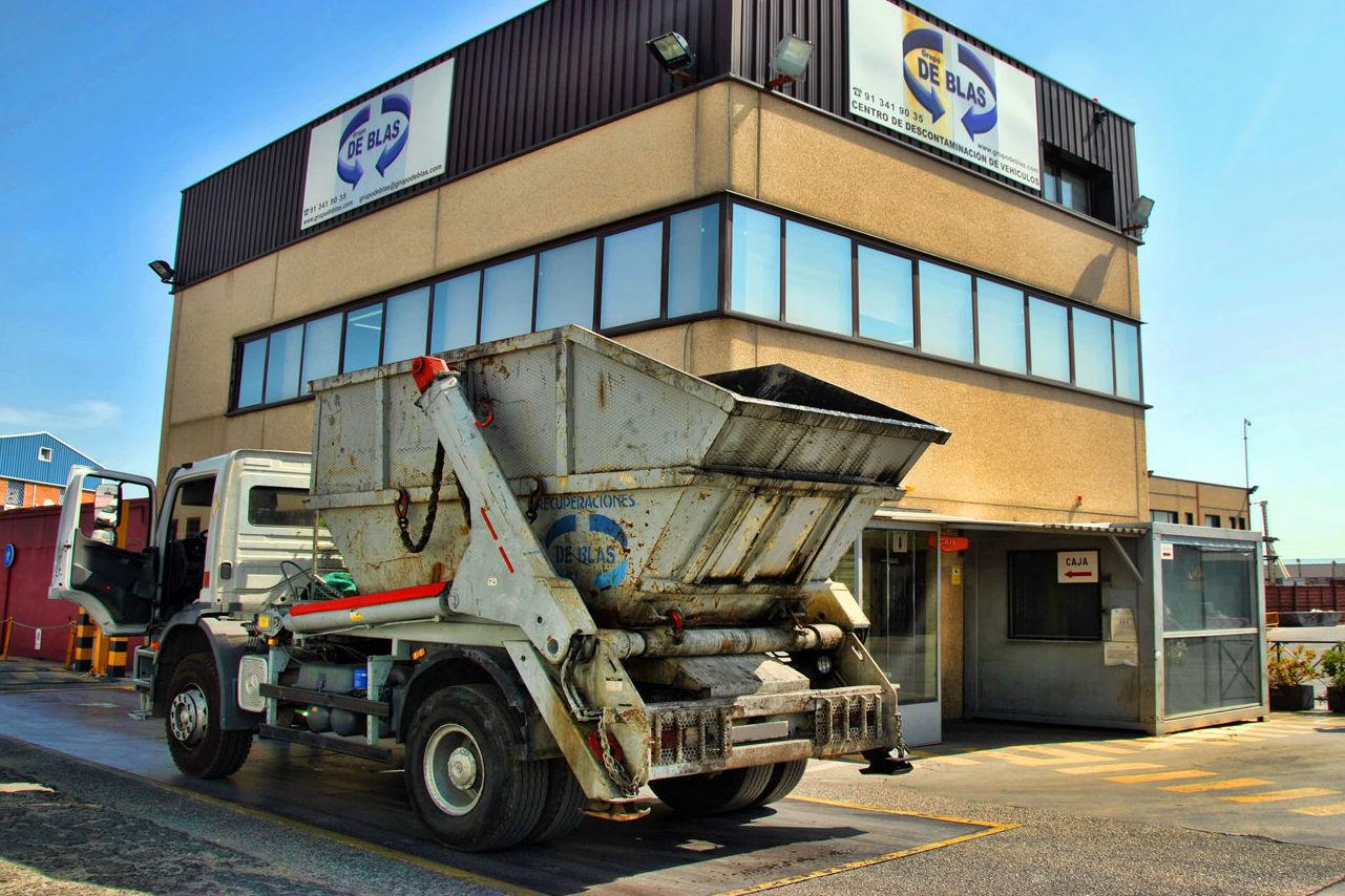 SERVICIOS GRUPO DE BLAS RECUPERACIONES,S.L.:Transporte de Residuos