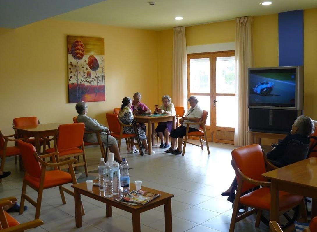 Animación Socio-cultural  : Servicios de Residencia de Mayores San Raimundo