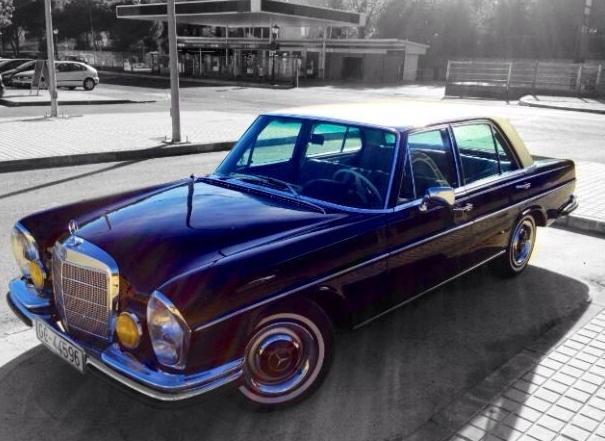Alquiler de coches antiguos para bodas en Granada