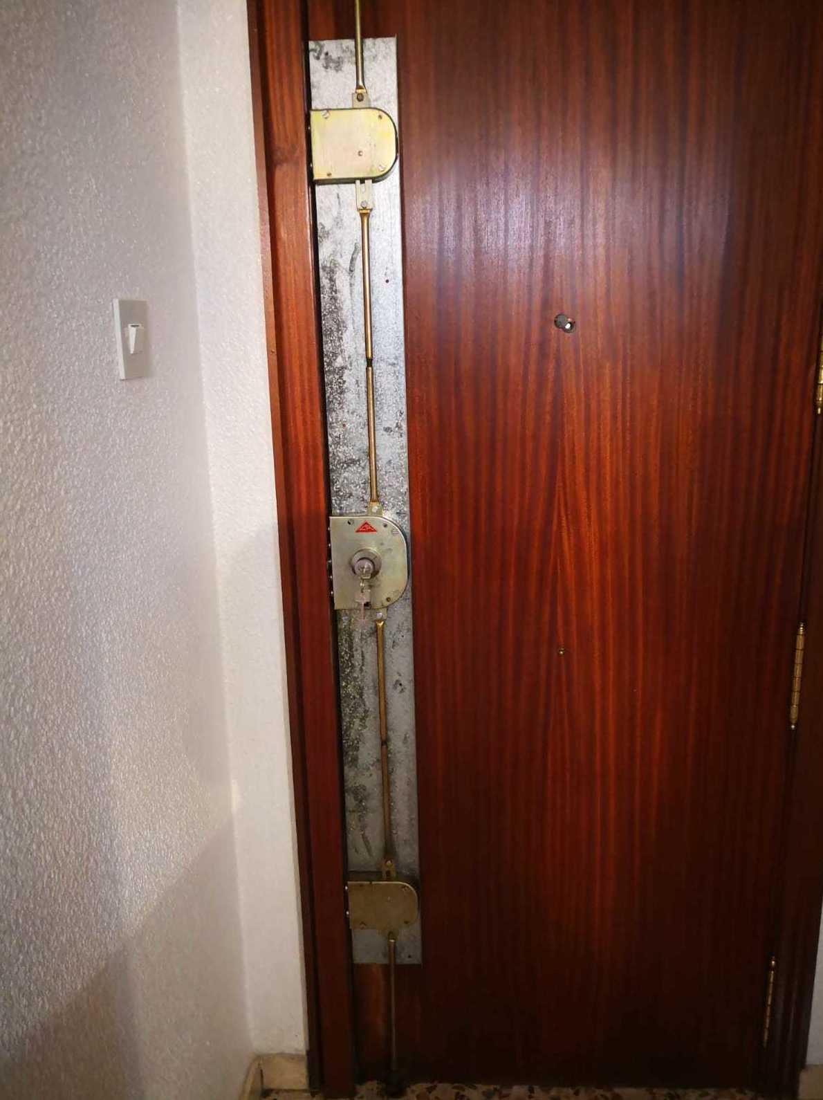 Cerrajeros Alicante - Cerrajeros Elda - Cerrajeros Elche : Apertura de Puertas de Medina Cerrajeros