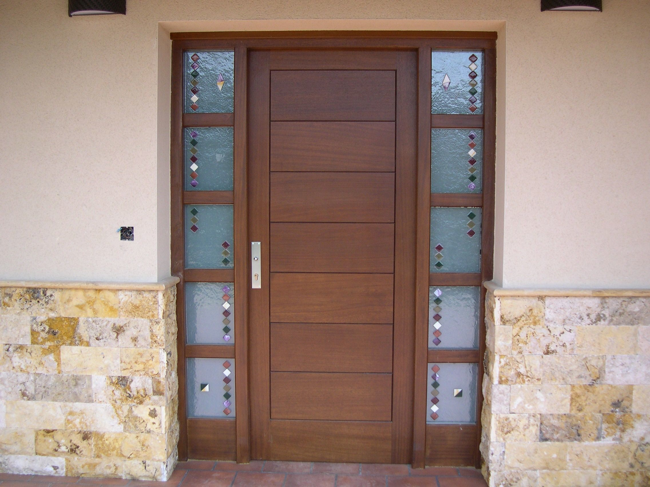 Puerta Entrada Maciza