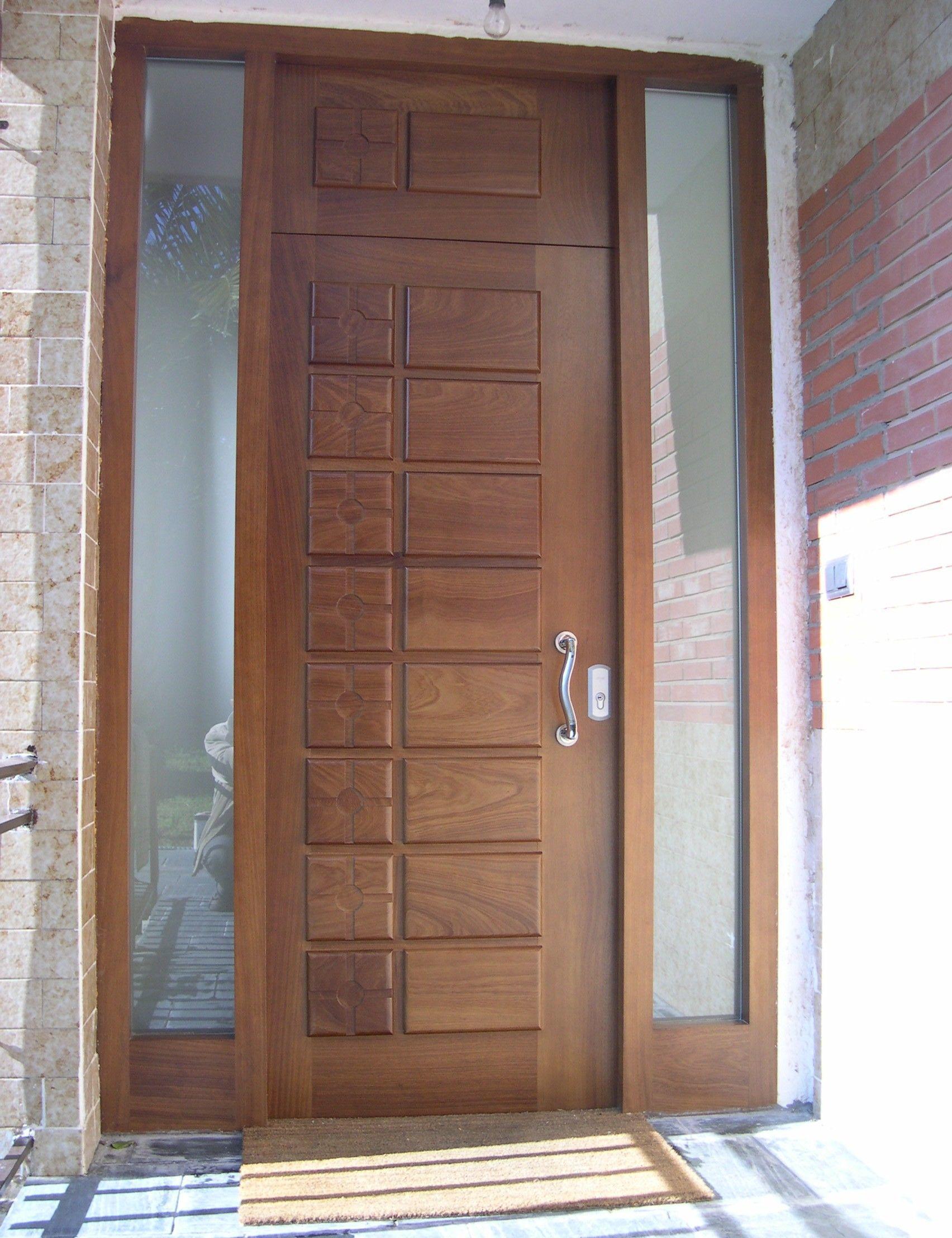 Puertas entrada macizas for Puertas macizas exterior
