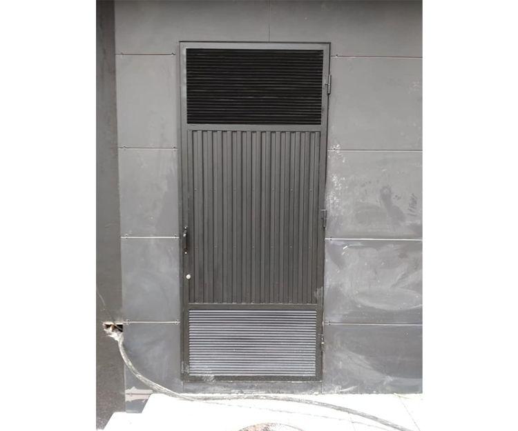 Puertas metálicas en Gijón, Asturias