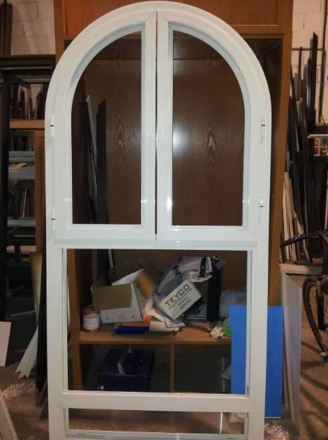 Realización de puertas de aluminio