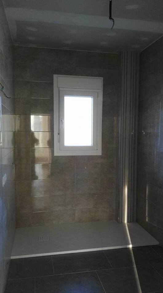 Instalación de ventana en baño