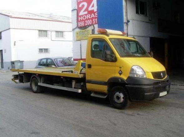 Grúas para asistencia y traslado de vehículos: Grúas  de Grúas Marcos