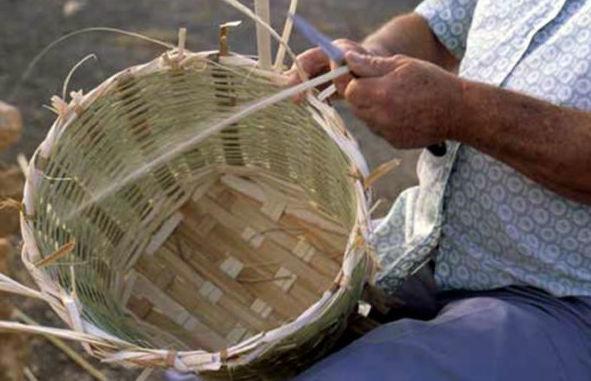Cestería con hojas de palma