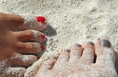 Abusar del esmalte puede causar hongos en las uñas de los pies