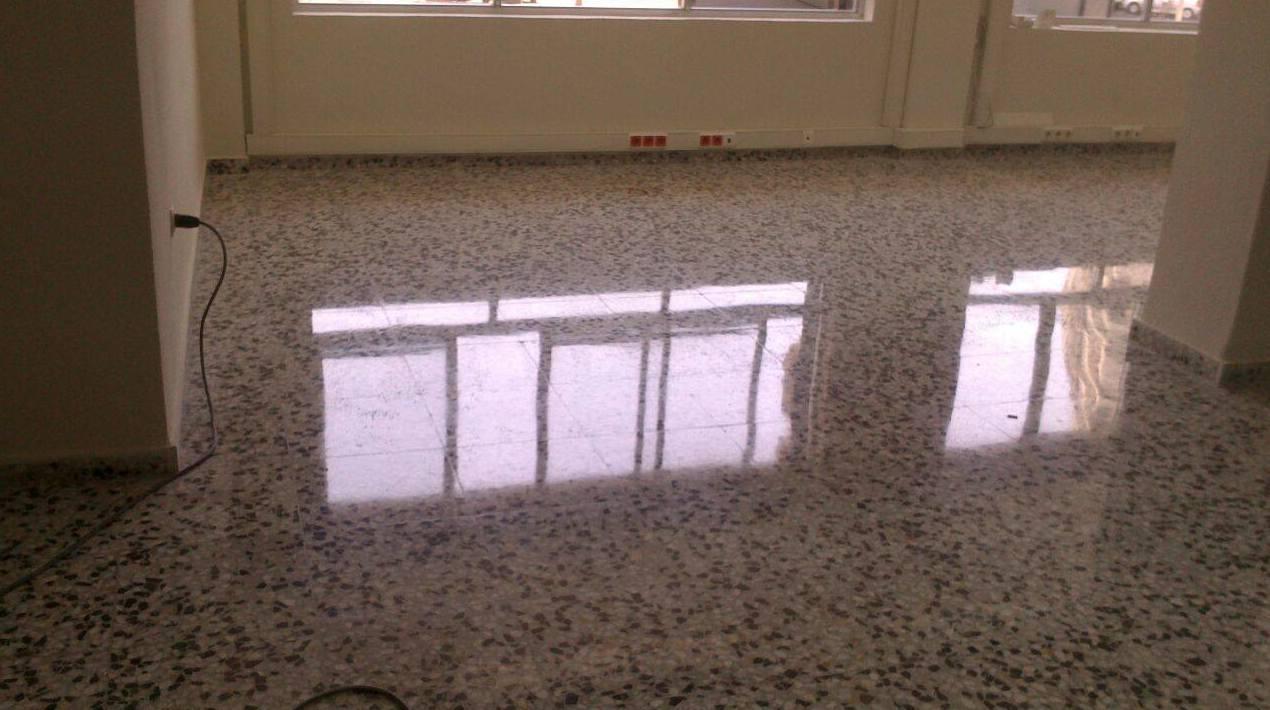 Pulido y acristalado de suelos de terrazo en Murcia