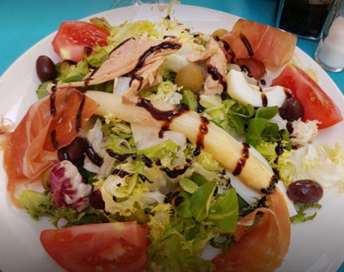 Ensaladas: Nuestros platos de Restaurante Sal y Pimienta