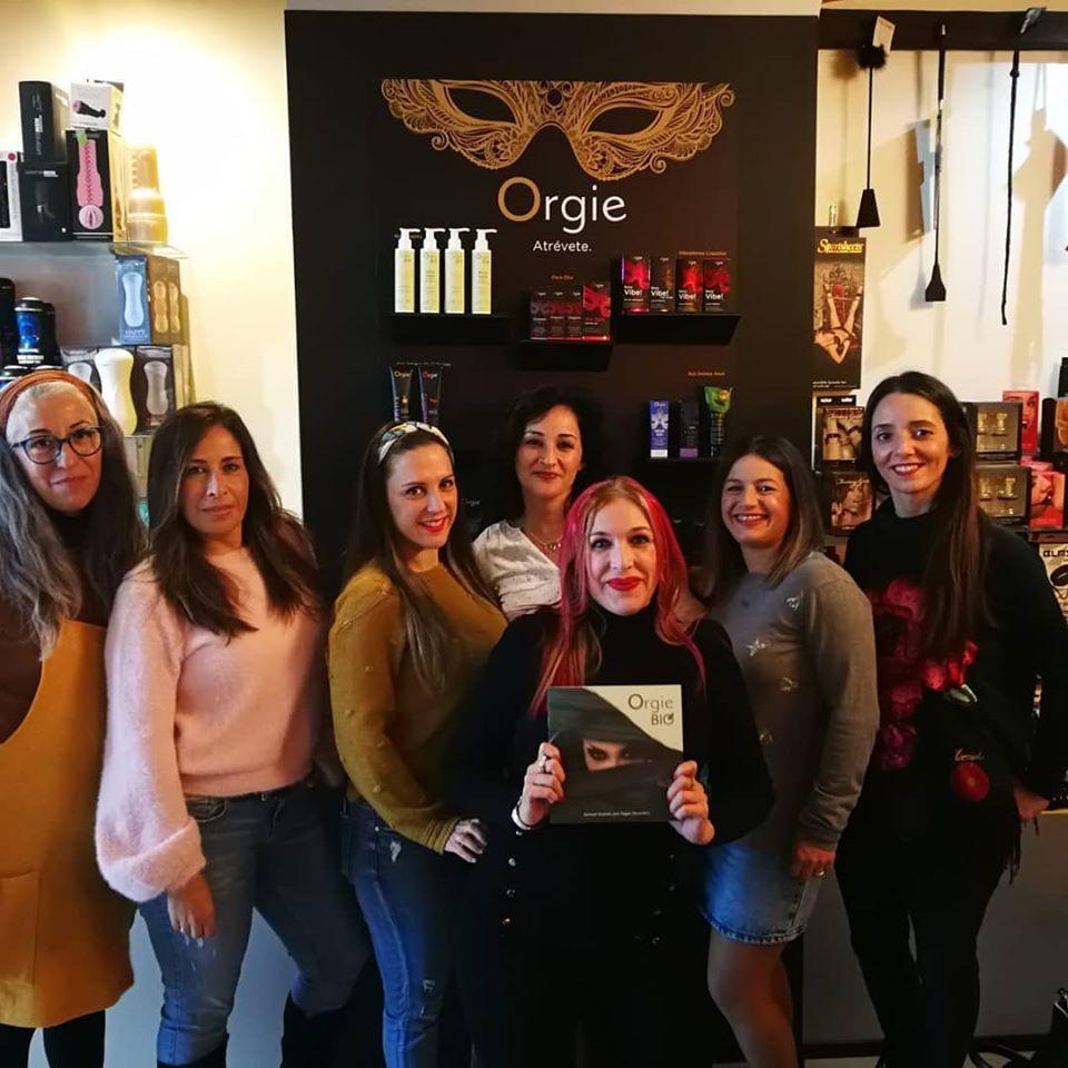 Reunión Tuppersex super divertida las chicas quedaron alucinadas atraves del asesoramiento de nuestra Sex Expert Isabel, unidos con la mejor marca del sector erótico Orgie y sus novedades Orgie Bio expectacular