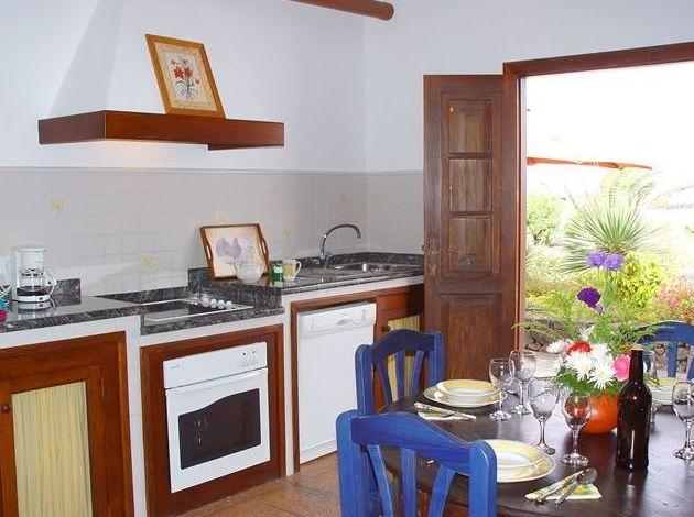 Fotos del apartamento B, cocina-comedor con vistas al jardín