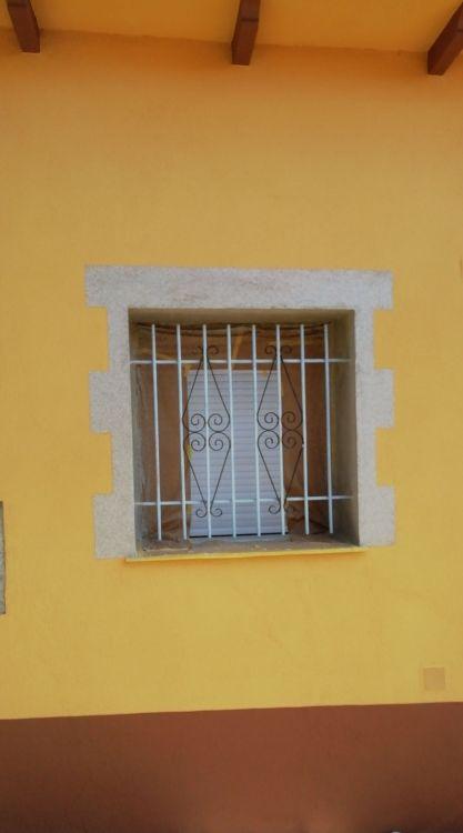 Trabajo de pintura exterior en fachada