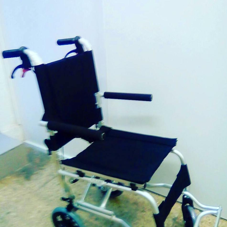 Silla de ruedas de viaje: Catálogo de Ortopedia Crif