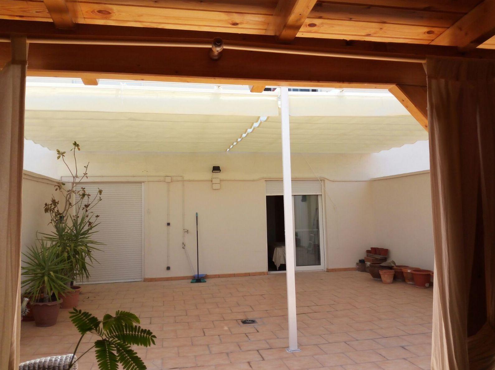 Instalación de pérgolas para patios