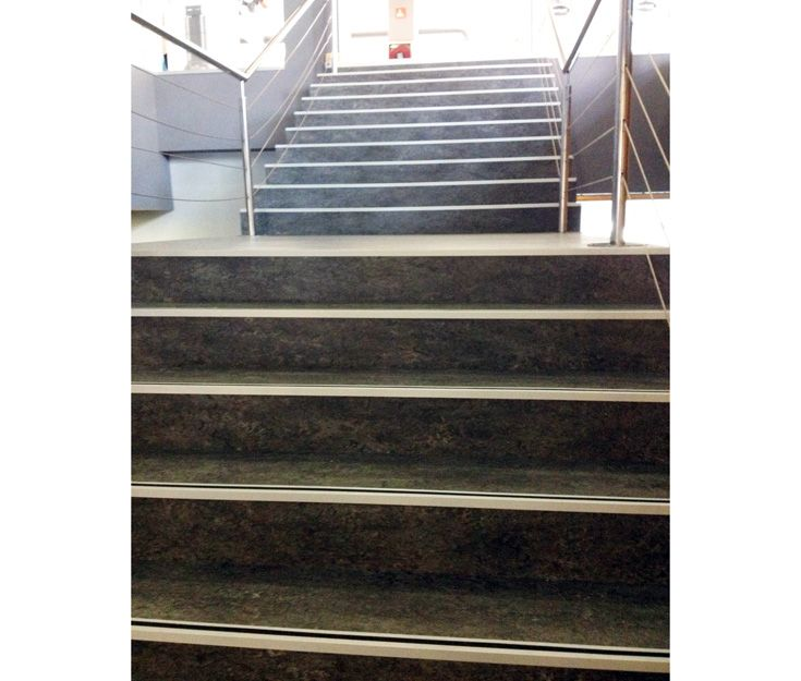 Revestimientos de escaleras y suelos en Navarra